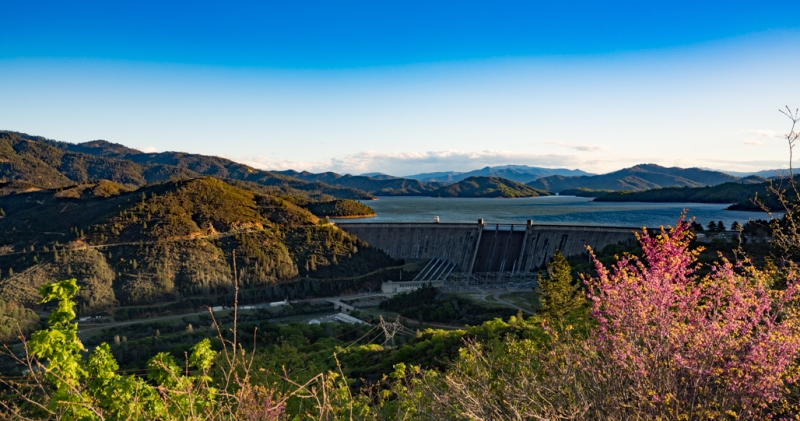 Dam at Shasta Lake, morning